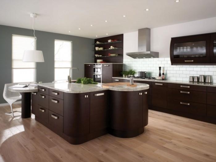 Дизайнеры рекомендуют использовать для современного интерьера кухни цвет венге.