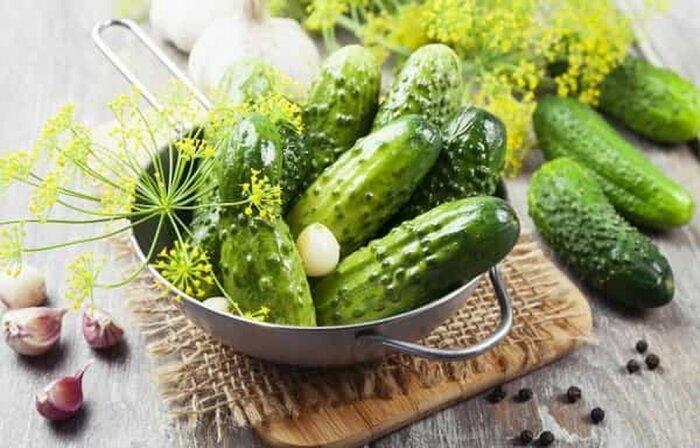 Вкуснейшие малосольные огурцы. \ Фото: pinterest.ru.