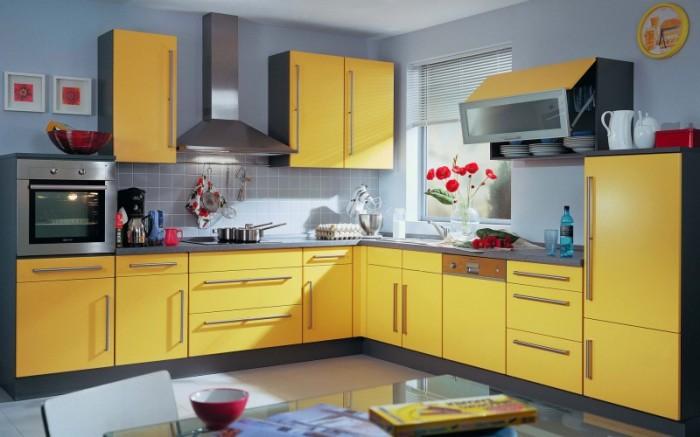 Приятный, жизнерадостный, солнечный жёлтый - отличный выбор, если вы хотите видеть свою кухню всегда яркой, но уютной.