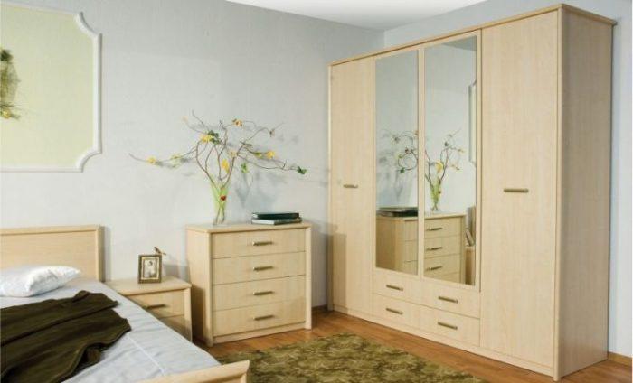 Светлая мебель благородных оттенков всегда будет смотреться идеально в спальной комнате.