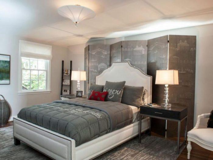 Белая мебель - ещё один из вариантов для спальной комнаты.