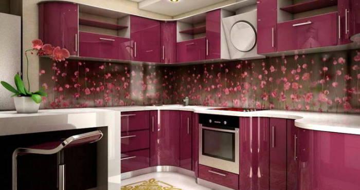 Кухонный гарнитур цвета пионов.