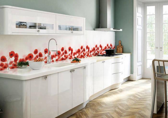 Белая мебель и мятные стены - то, что нужно для современной кухни.