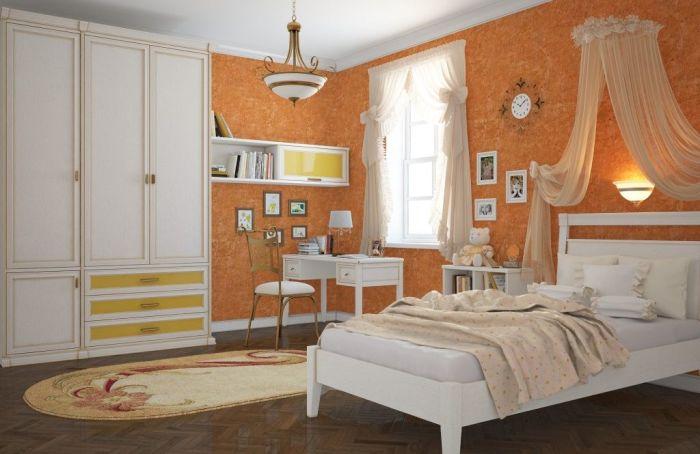 Сочные оттенки оранжевого удачно сочетаются с более уравновешенными тонами – коричневым, бежевым, серым.