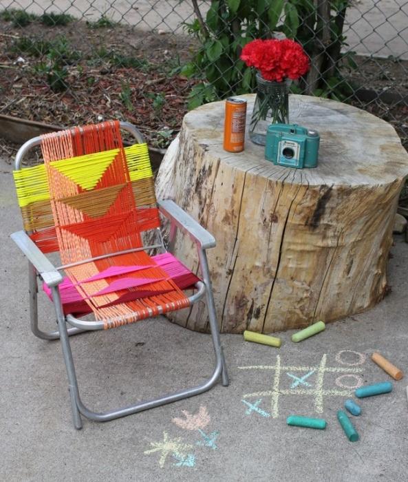 Не беда, если от стула остался только каркас, ему можно подарить вторую жизнь с помощью ниток.