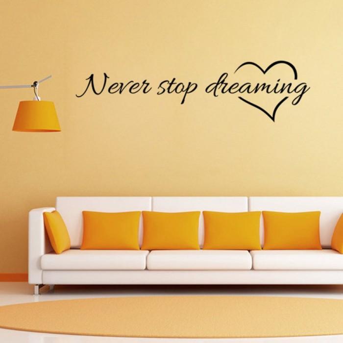 Стоит так же помнить о том, что для надписей подойдет, как и классический вариант светлых стен, так и цветной.