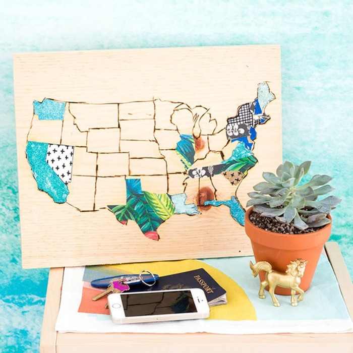 Деревянная карта путешествий. \ Фото: brit.co.