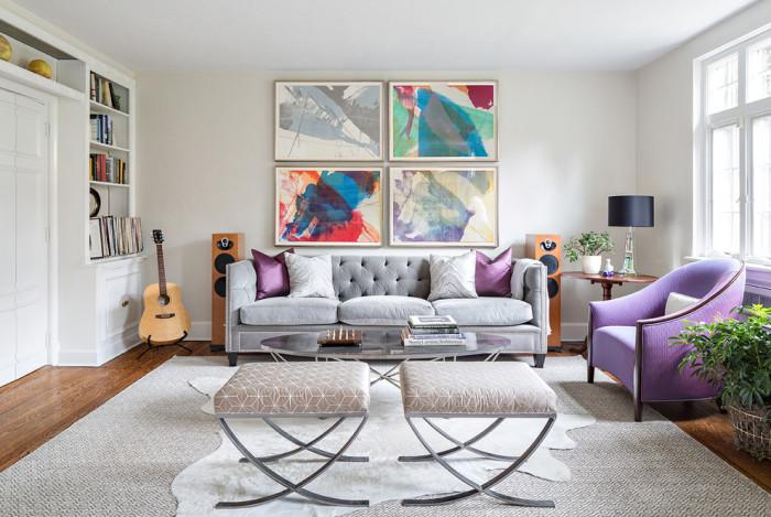 Абстрактные картины станут прекрасным дополнением и украшением стены над диваном.