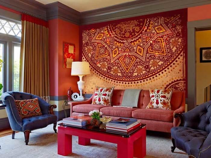 Геометрический орнамент и сочные цвета наполнят гостиную светом и теплом.