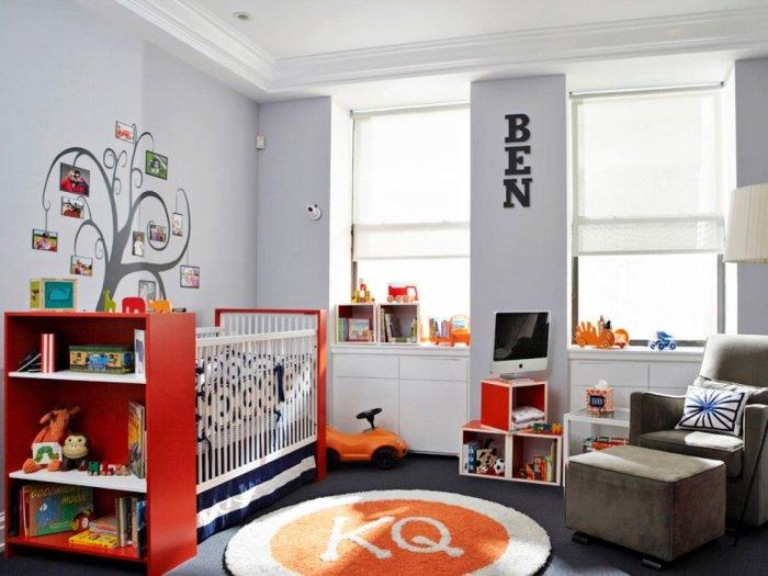 Не забывайте о том, что ваш малыш обязательно проверит всё на прочность, поэтому выбирайте практичную и качественную мебель, а так же отделку.