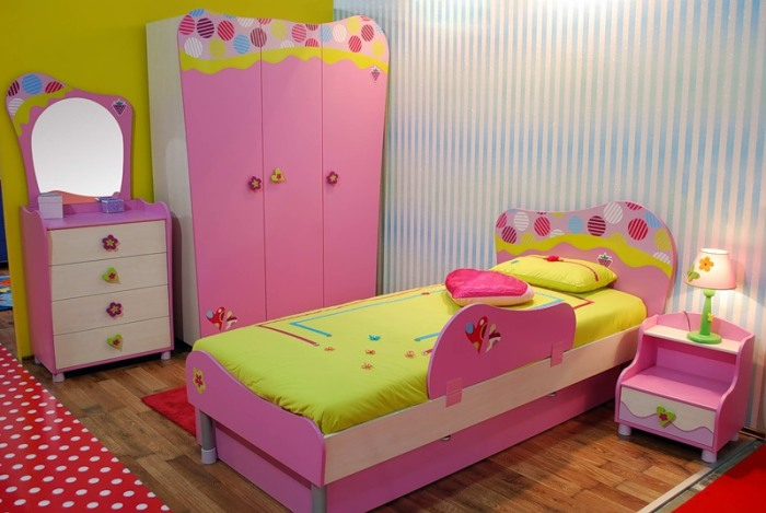 Комната в стиле Барби.