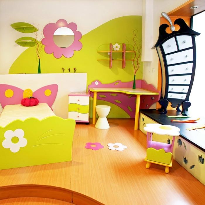 Не забывайте о том, что комната должна быть светлой, яркой и максимально просторной.