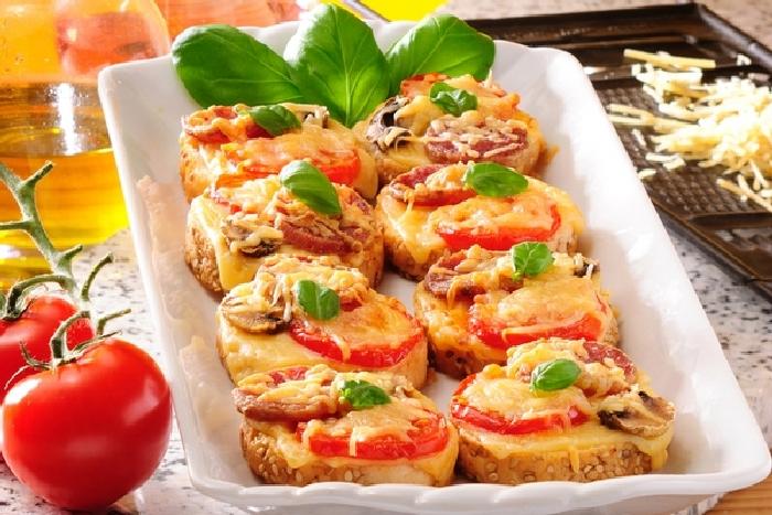 Ленивая мини-пицца. \ Фото: google.ru.
