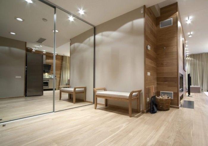 Наиболее подходящие современные напольные покрытия для входной зоны от линолеума до плитки.