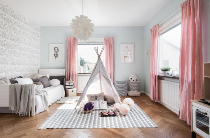Детская комната в нежных тонах и оттенках.