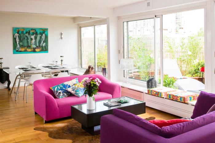 Цветные диваны добавят яркие акценты вашему интерьеру.