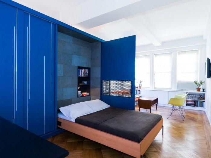 Кровать-трансформер — отличное решение для квартиры-хрущёвки.