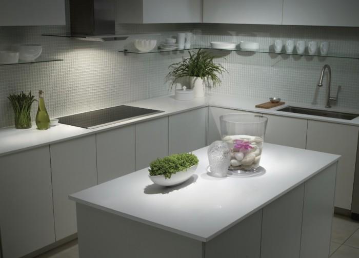 Кухня в стиле минимализм - прекрасное решение для маленького помещения.