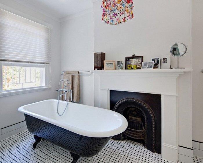 Чёрно-белая ванная комната.
