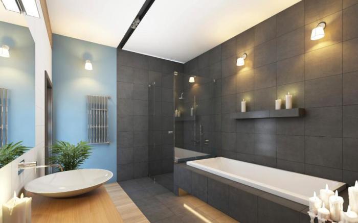 Мягкое освещение ванной комнаты.