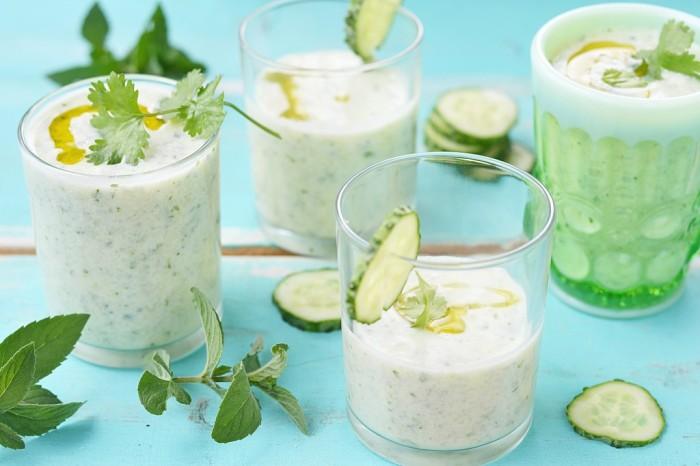 Огуречно-мятный йогурт-суп. \ Фото: gurmania.com.ua.