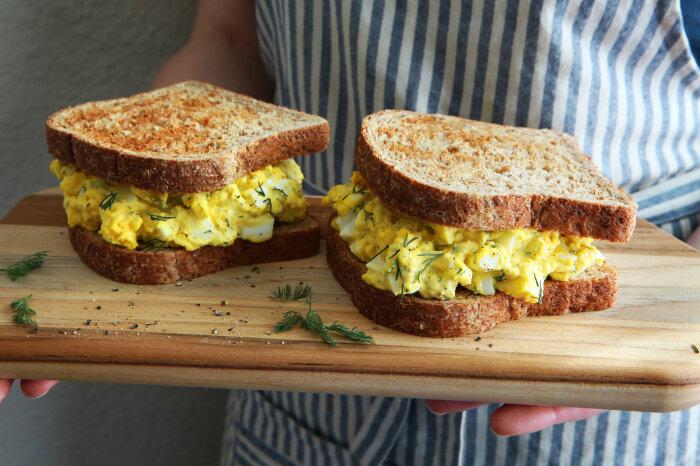 Вкуснейшие сэндвичи с салатом из яиц. \ Фото: thebestgame2020.com.