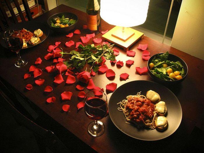 Романтический ужин. \ Фото: pinterest.com.