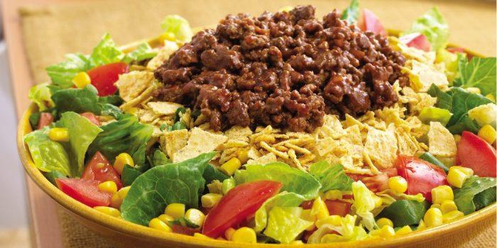 Мексиканский салат. \ Фото: