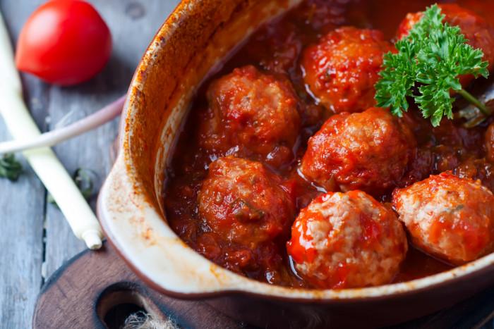 Гречаники с фаршем в томатном соусе. \ Фото: edinstvennaya.ua.