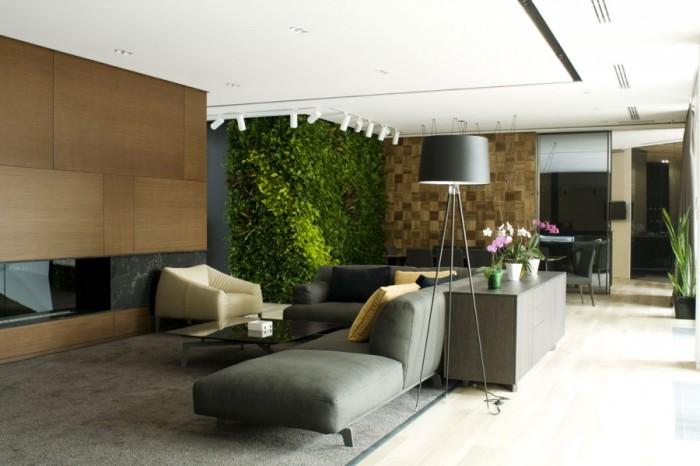 Благодаря вот такой вот живой зелёной стене любая гостиная преобразится в считанные минуты.