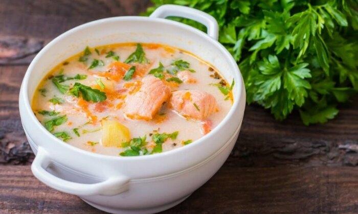 Сырный суп с рыбой. \ Фото: google.com.