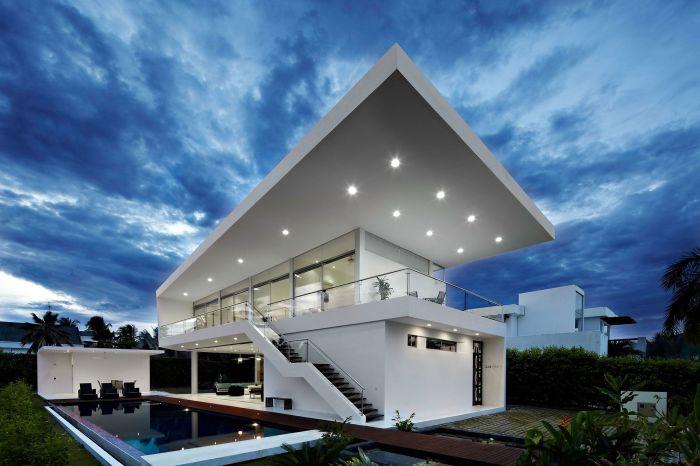 Дома в стиле хай-тек – это вызов консервативным устоям и традиционным архитектурным приемам и решениям.