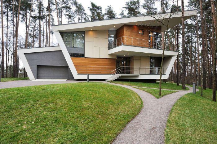 Первое, что характеризует такие дома – лаконичность.