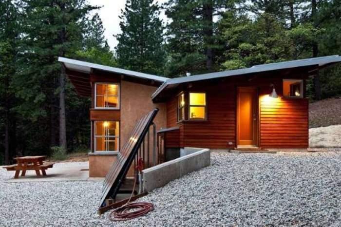 Каркасные дома из сип-панелей любят за их относительно невысокую стоимость, простоту и скорость монтажа, а также хорошие теплоизоляционные свойства.
