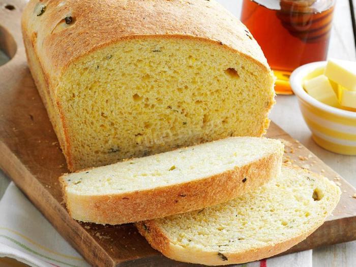 Кукурузный хлеб. \ Фото: 1000.menu.