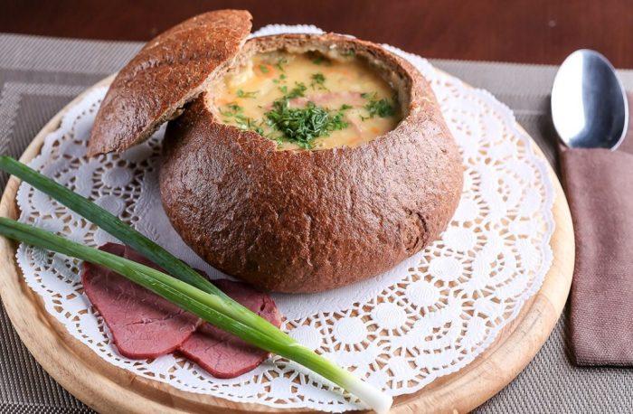 Суп в хлебе. \ Фото: yaisup.ru.