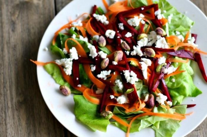 Пикантный салат со свёклой. \ Фото: the-challenger.ru.