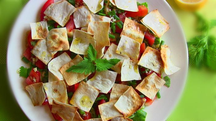 Салат с лавашом. \ Фото: vikka.com.ua.
