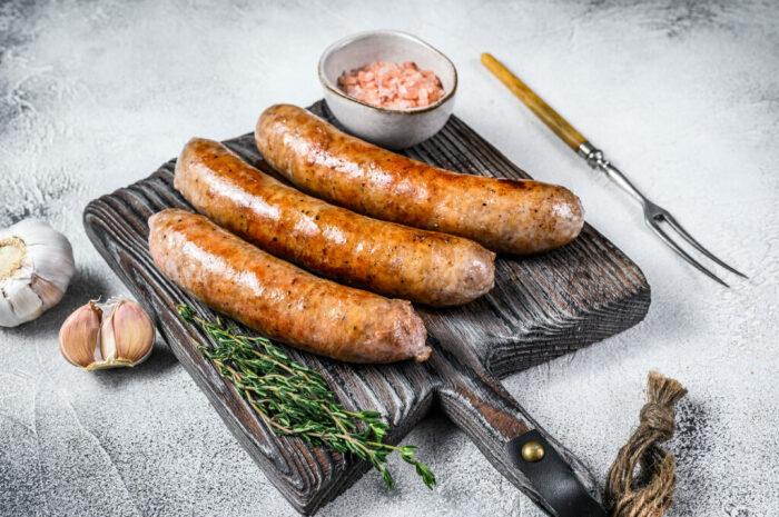 Нежная, сочная и ароматная куриная колбаса. \ Фото: geekrobocook.com.