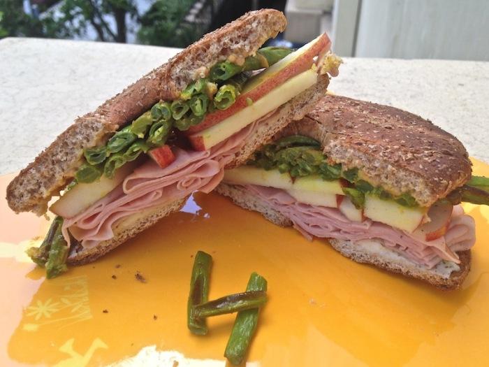 Бутерброды со стручковой фасолью. \ Фото: wordpress.com.