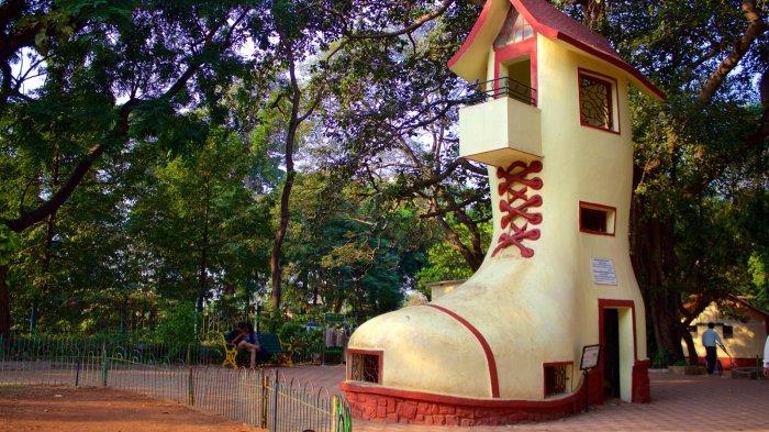 Дом-ботинок в Индии.