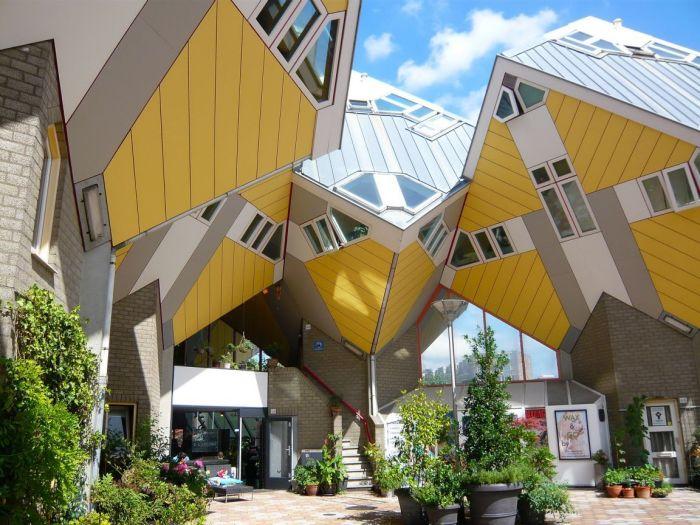 Дома-кубики в Голландии.