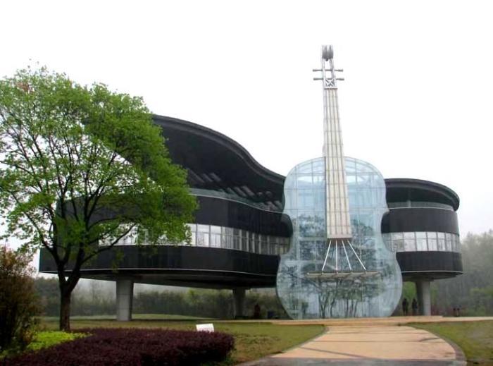 «Музыкальное» здание расположено в китайском городе Хуайнань.