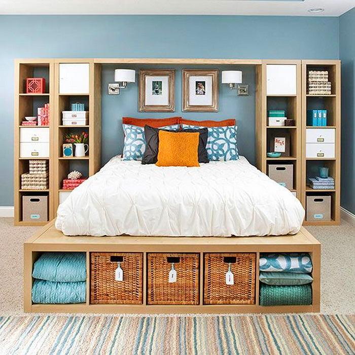 Идеальное решение для хранениея различных вещей в спальной комнате.