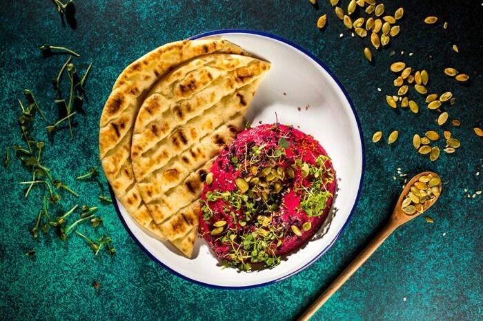 Хумус из свеклы. \ Фото: facebook.com.