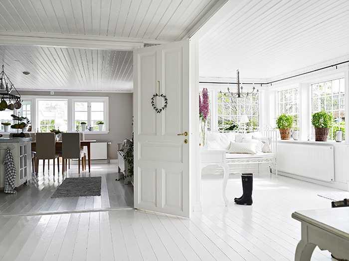 Уютная дача в скандинавском стиле. \ Фото: pufikhomes.com.