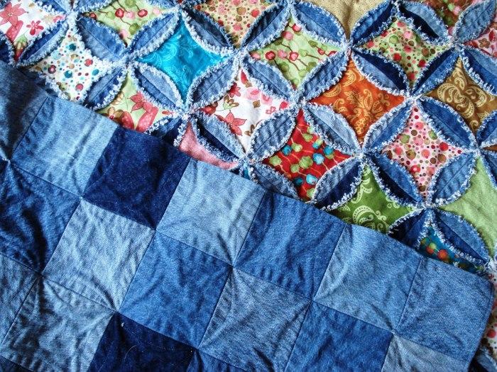 Одеяла-покрывала из стареньких джинсов. \ Фото: dekormyhome.ru