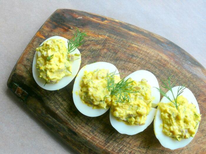 Яйца, фаршированные рисом. \ Фото: google.com.ua.