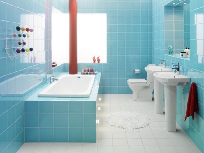 Ванная комната в голубых тонах.