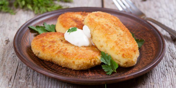 Простые  вкусные котлетки из картошки. \ Фото: ru.depositphotos.com.